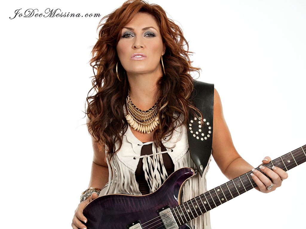 COUNTRY STAR JO DEE PERFORMS WITH THE GLENDALE POPS