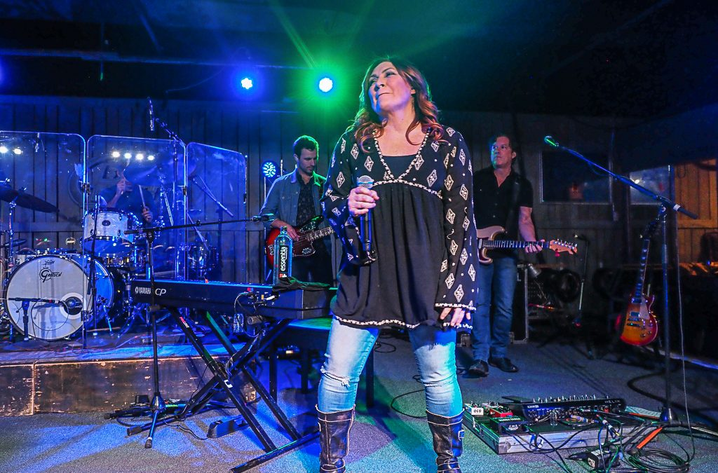 REVIEW: Jo Dee Messina Brings Down the House at Thirsty Cowboy | Cleveland Country Music